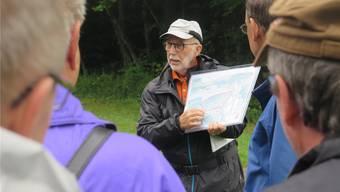 Dorfchronist Hans A. Sigrist informierte über die Geschichte des Burgerrains.