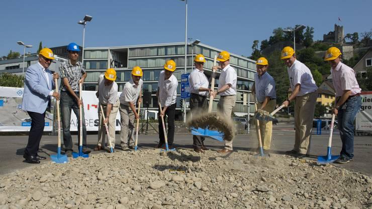 Der Spatenstich für das Schulhausplatz-Projekt in Baden
