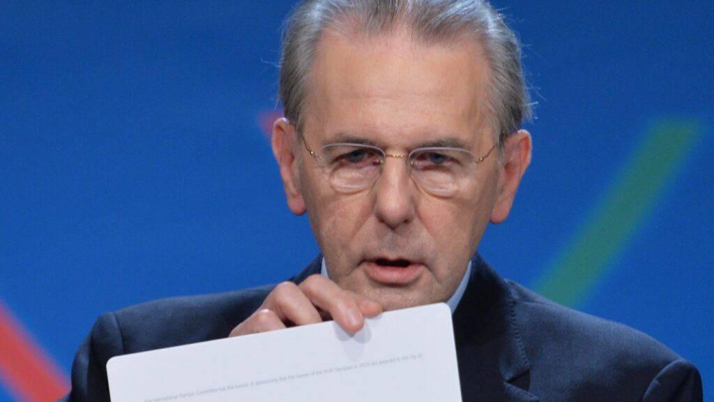 Der abtretende IOC-Präsident Jacques Rogge verkündet die Ausrichterstadt der Olympischen Spiele 2020
