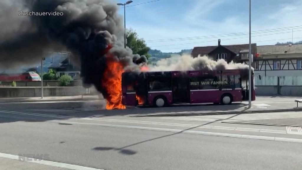 Busbrand Münsingen: Passagiere kamen mit dem Schrecken davon