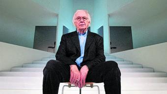 In Zürich infizierte er sich mit dem Theatervirus. Am Theater Basel steigerte Werner Düggelin den Anteil der Jungen auf 33 Prozent.