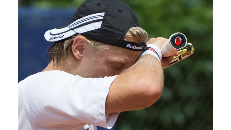Johannes Ager wischt sich den Schweiss von der Stirn.
