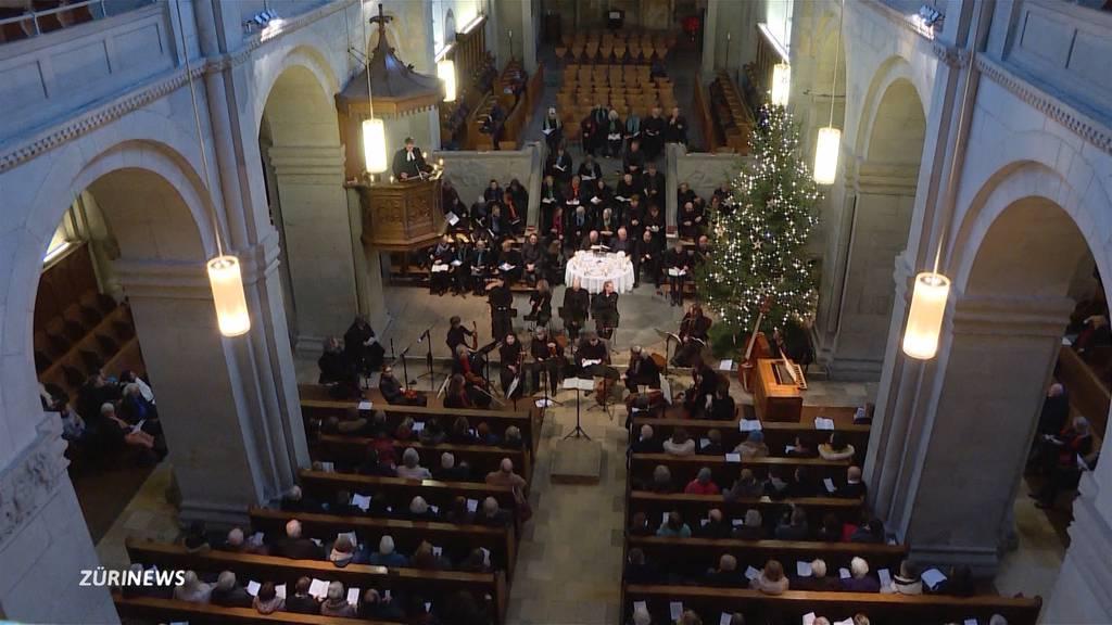 Grosser Andrang am Weihnachtsgottesdienst im Grossmünster