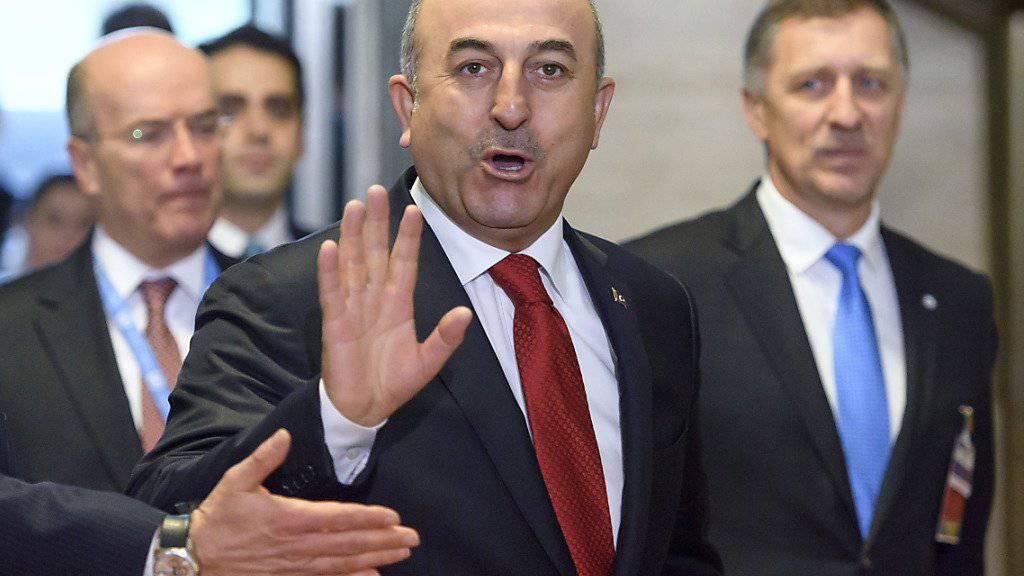 Laut dem türkischen Aussenminister Mevlüt Cavusoglu sind auch die USA zu den Friedensgesprächen über Syrien nach Kasachstan eingeladen.