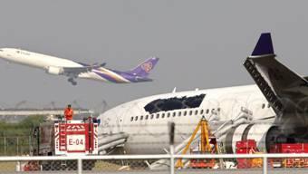 Das Flugzeug rutschte von der Landebahn
