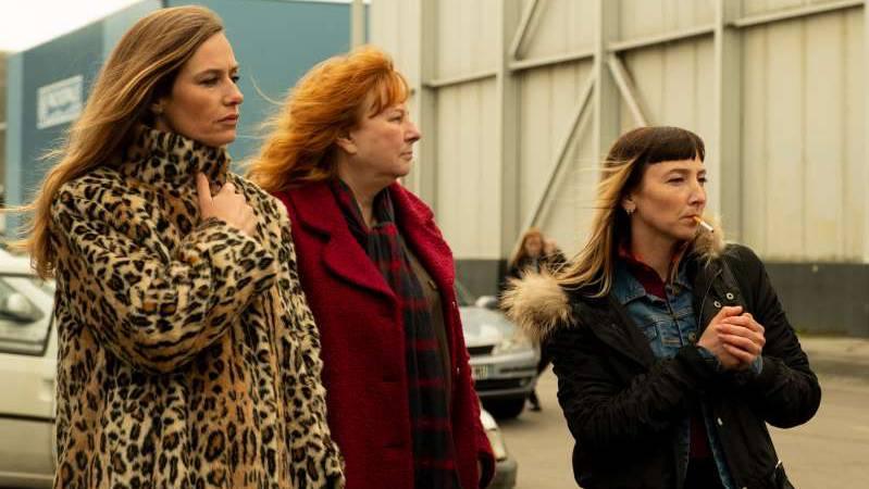 REBELLINNEN_Sandra+(Cécile+de+France)_+Nadine+(Yolande+Moreau)_+Marilyn+(Audrey+Lamy)_Elsa+Seignol_A4