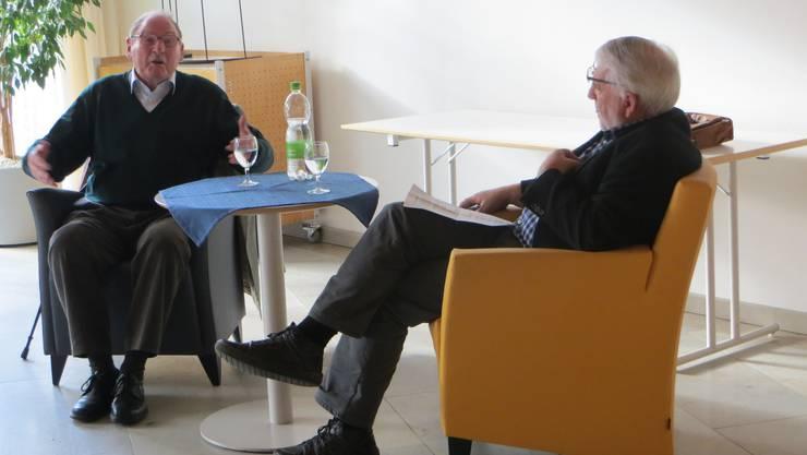 links Willi Stebler und rechts Urs Burkhart, der das Interview machte.