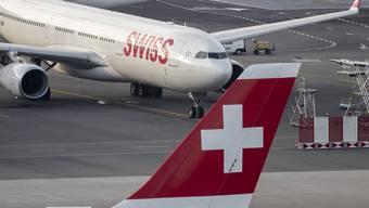 Viele Swiss-Flieger bleiben wegen des Corona-Virus am Boden.