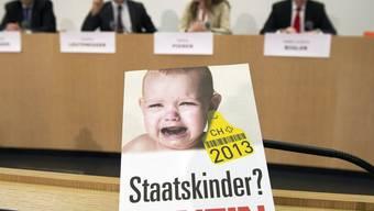 Gegner des Familienartikels bei der Medienkonferenz in Bern