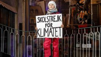 Eine Wachsfigur, die die schwedische Klimaaktivistin Greta Thunberg darstellen soll, steht im Panoptikum auf der Hamburger Reeperbahn.