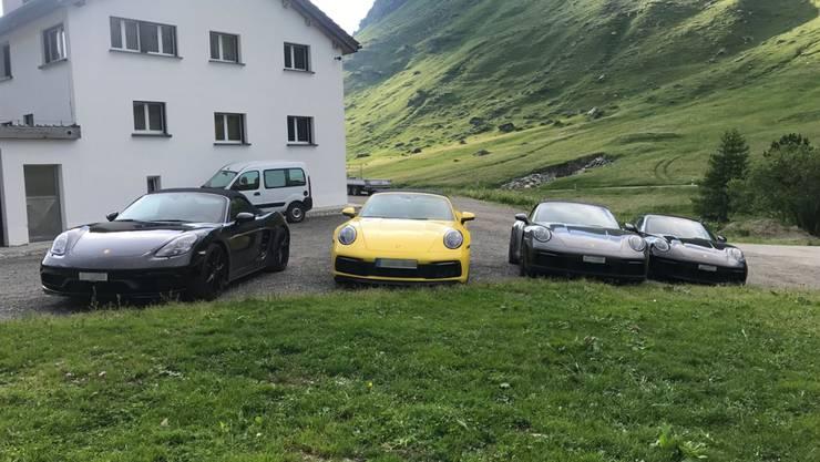 Die vier Raser mussten ihre Sportwagen an der Julierstrecke stehen lassen.