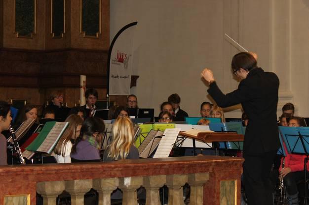 Der Dirigent, Valentin Oberson, in Aktion.