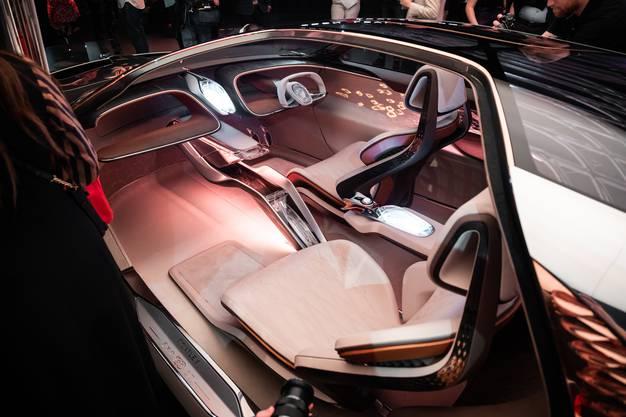 """Wie wird luxuriöses Cruisen in 16 Jahren aussehen? """"Biometrisches Sitzen"""" verändert die Sitzkonfiguration und das Reisegefühl im Innern."""
