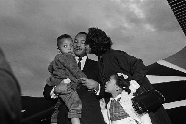 Martin Luther King III erinnert sich an die Zeiten mit seinem Vater: «Mein Vater war wie ein Spielkamerad. Wir spielten oft Football oder Baseball mit ihm, fuhren Fahrrad.»