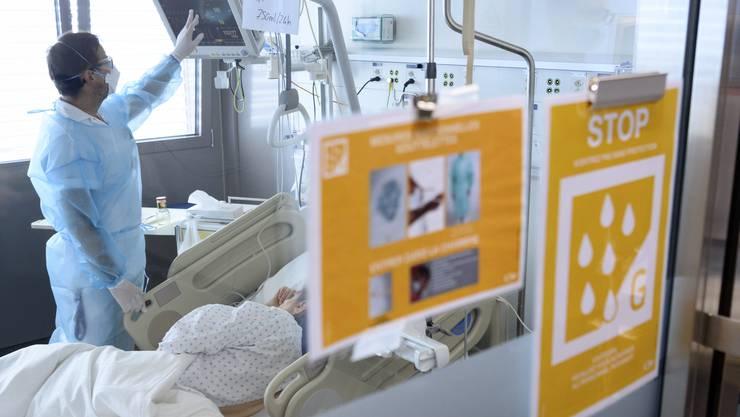 Die Gesundheitsdirektorinnen fürchten, dass die Kapazitäten der Spitäler bald ausgelastet sind.