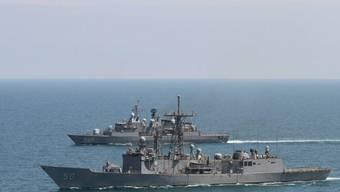 Türkische und US-amerikanische Kriegsschiffe beim Militärmanöver