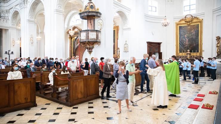 Eucharistiefeier in Coronazeiten in der Kathedrale.