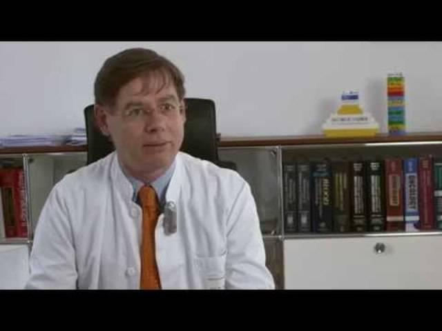 Christoph Klein über die Hilfe für Kinder mit seltenen Erkrankungen im Haunerschen Kinderspital (Uniklinik München, Video aus dem Jahr 2014)