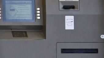 Bancomat-Diebe arbeiten mit neuen Tricks (Symbolbild)