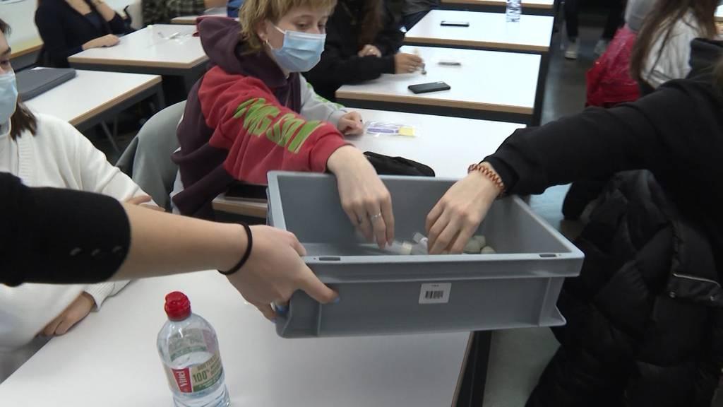 Massentest an Kantonsschule Zofingen