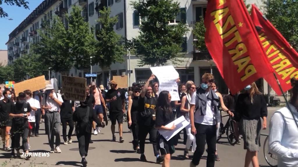 Stadtpolizei gerät wegen Umgang mit Demos ins Kreuzfeuer