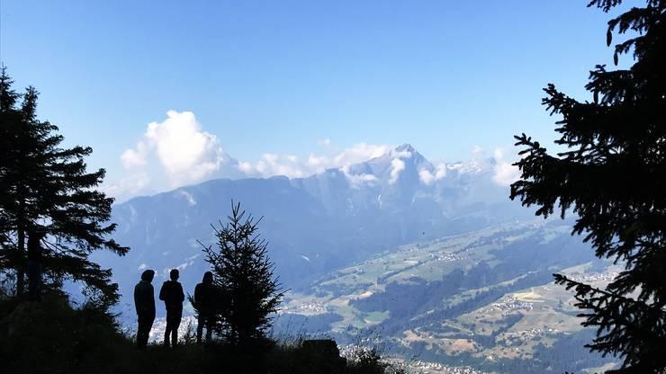 Atemberaubende Aussicht in den Bündner Bergen.