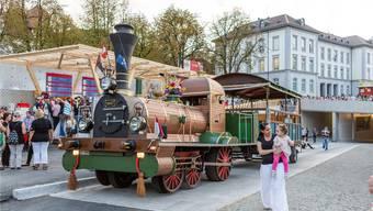 Die historische Spanischbrötlibahn tuckert auch in Zukunft durch die Stadt, wie an der Badenfahrt 2017. Sandra Ardizzone