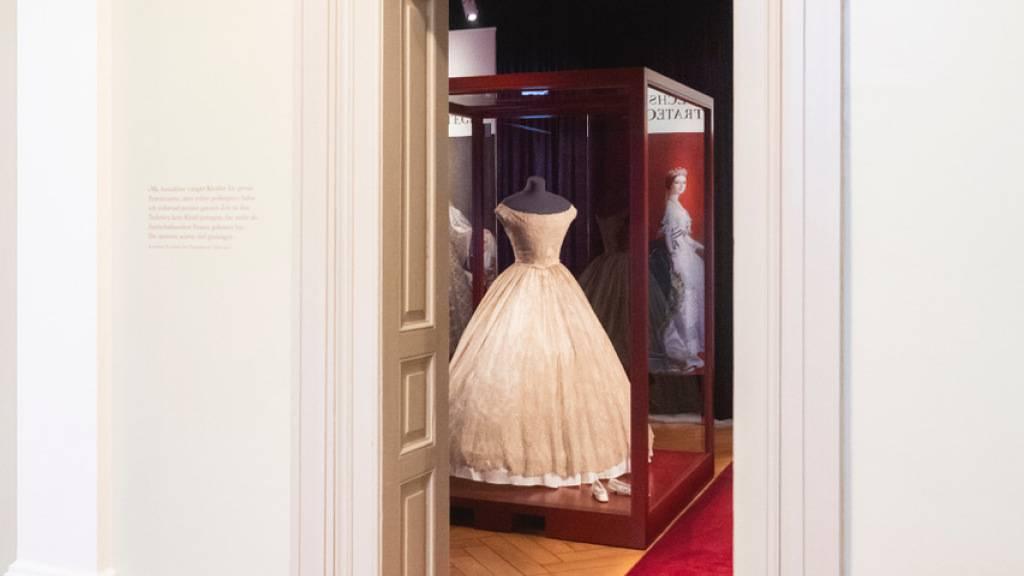 Ausstellung im Textilmuseum zu «Robes politiques»