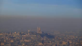 Verschmutzt Luft über Paris - hier über der Sacré-Coeur-Kirche.