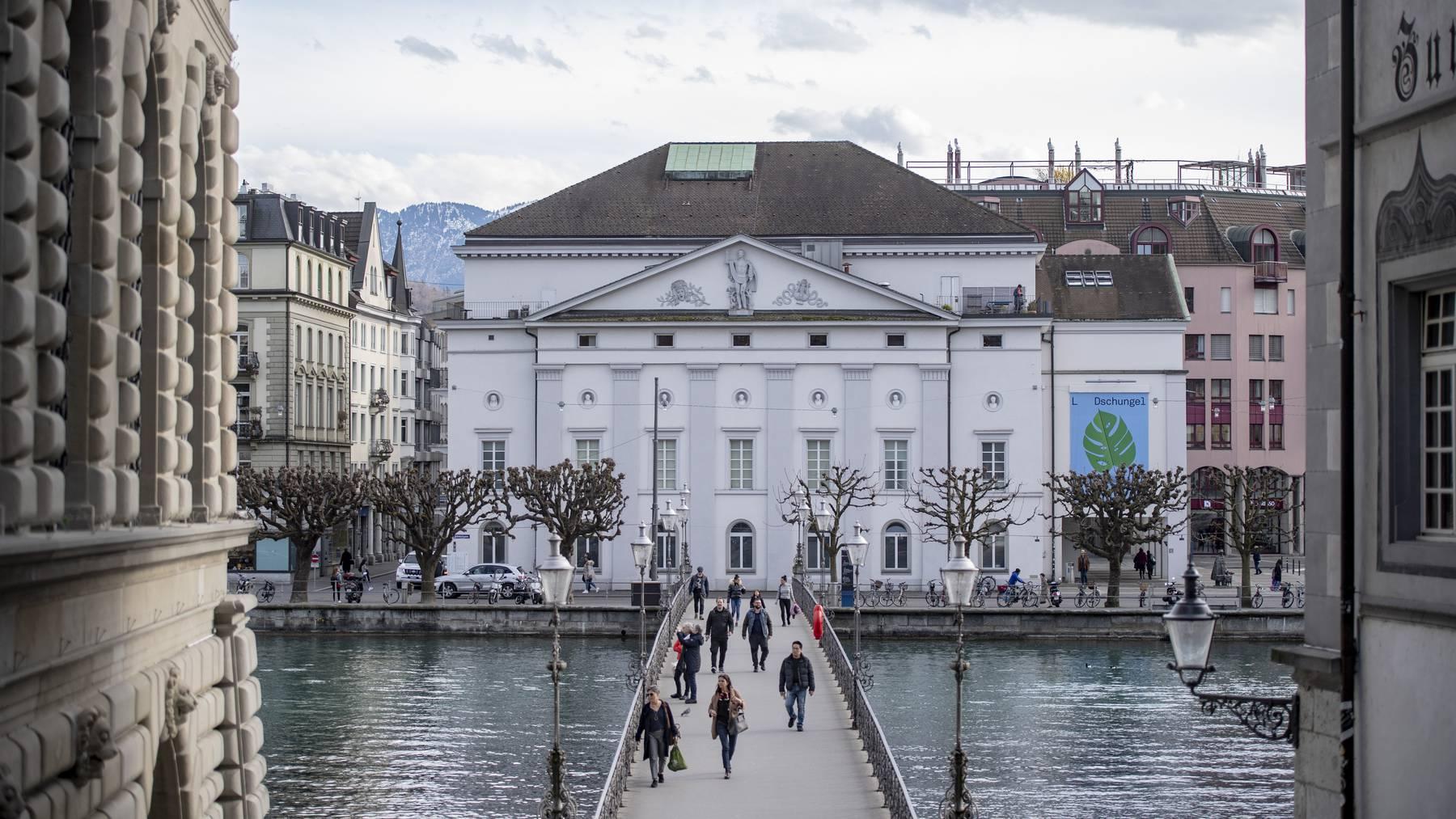 Das Luzerner Theater an der Reuss in der Stadt Luzern, am Donnerstag, 12. Maerz 2020.
