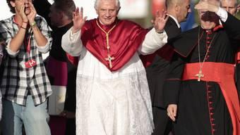Der Papst wird in Madrid bejubelt