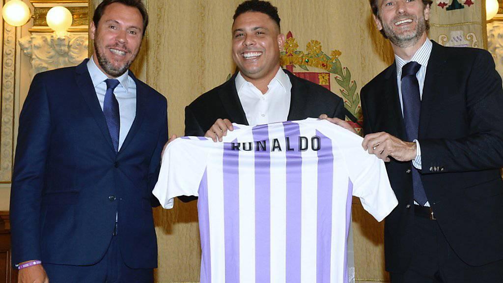 Ronaldo (Bildmitte) ist neu Mehrheits-Eigentümer bei Valladolid