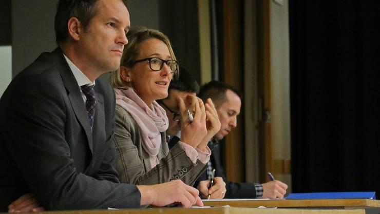 Stefan Moll-Thissen, CEO ORS Service AG, Susanne Hochuli, Regierungsrätin, Stephan Campi, Generalsekretär, und Manolito Steiner, Projektleiter.