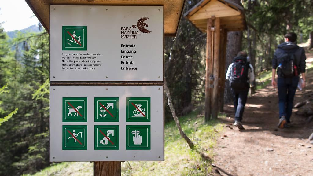 Der Schweizerische Nationalpark im Engadin wird finanziell nicht nur vom Kanton Graubünden, sondern auch von den Standortgemeinden und dem Bund unterstützt. (Archivbild)