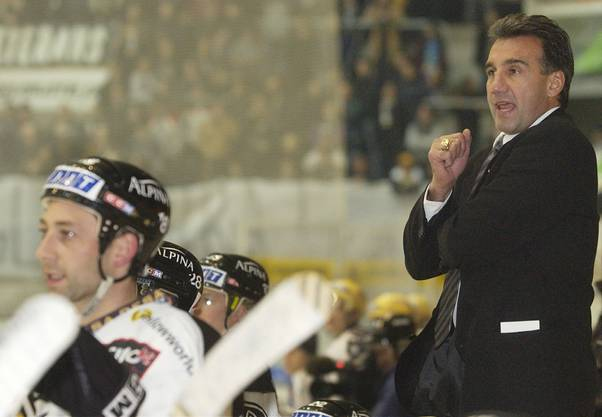 Jim Koleff bei seinem ersten Spiel als Headcoach des HC Lugano