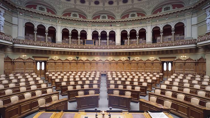 Der Nationalratssaal ist bereit für die erste Session der neuen Legislatur.