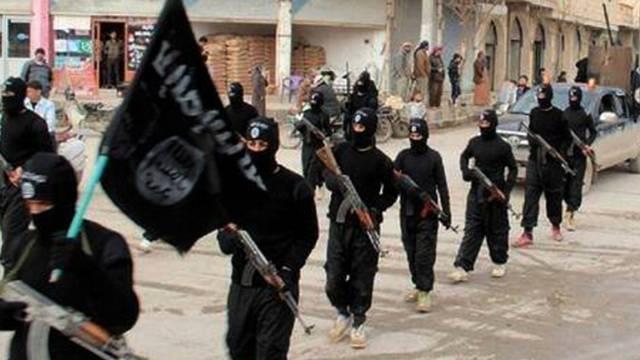Kämpfer der Dschihadistengruppe IS in Syrien (Archiv)