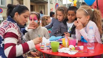 Kinderschminken beim Fest zum 5-jährigen Bestehen des Cultibos Ende April.