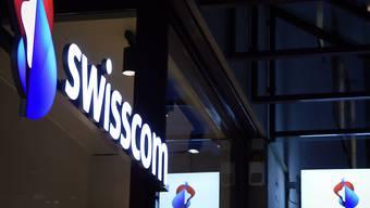 Die Swisscom erhält in den ersten neun Monaten Rückenwind aus Italien. Allerdings lässt der Schub nach. (Archiv)