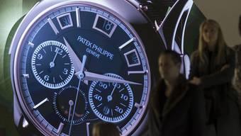 Die Uhren- und Schmuckmesse Baselworld buk dieses Jahr kleinere Brötchen: Weil ihr viele Hersteller den Rücken kehrten, halbierte sich die Zahl der Aussteller.