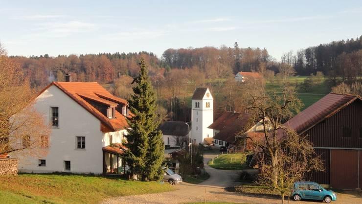 Im idyllischen Kirchbözberg sind die Bözbergerinnen und Bözberger seit eh und je vereint.  Hans-Peter Widmer