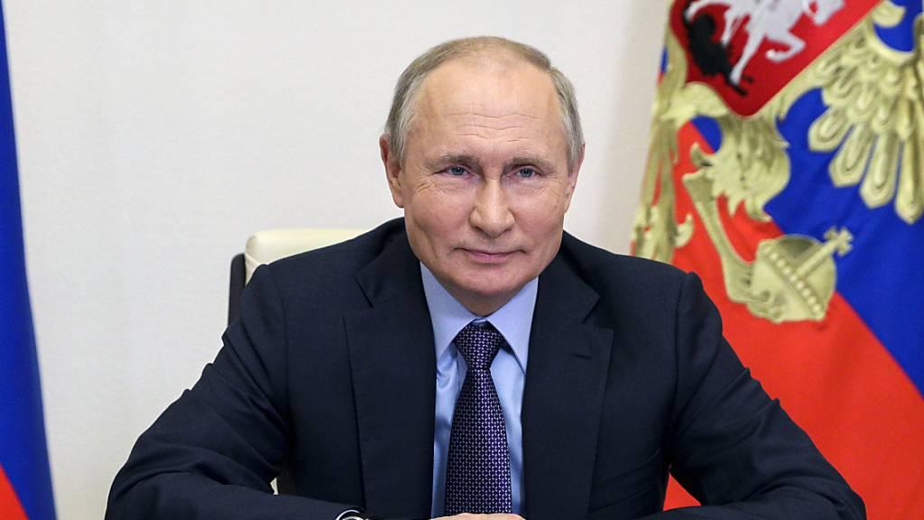 Der russische Präsident Wladimir Putin hat vor dem Gipfeltreffen mit US-Präsident Joe Biden verlauten lassen, die bilateralen Beziehungen befänden sich an einem Tiefpunkt. (Archivbild)