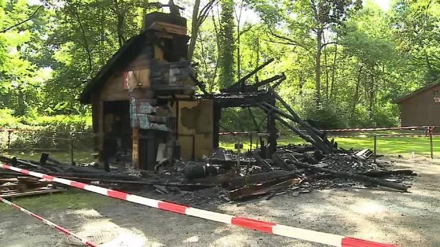 Waldhaus in Luterbach brannte nieder – so sieht es am Tag danach aus