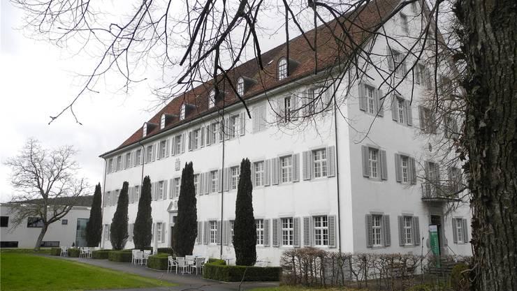 Ein markantes, weitherum bekanntes Gebäude: Das «Kreuz» in Mariastein, das dem Kloster gehört.