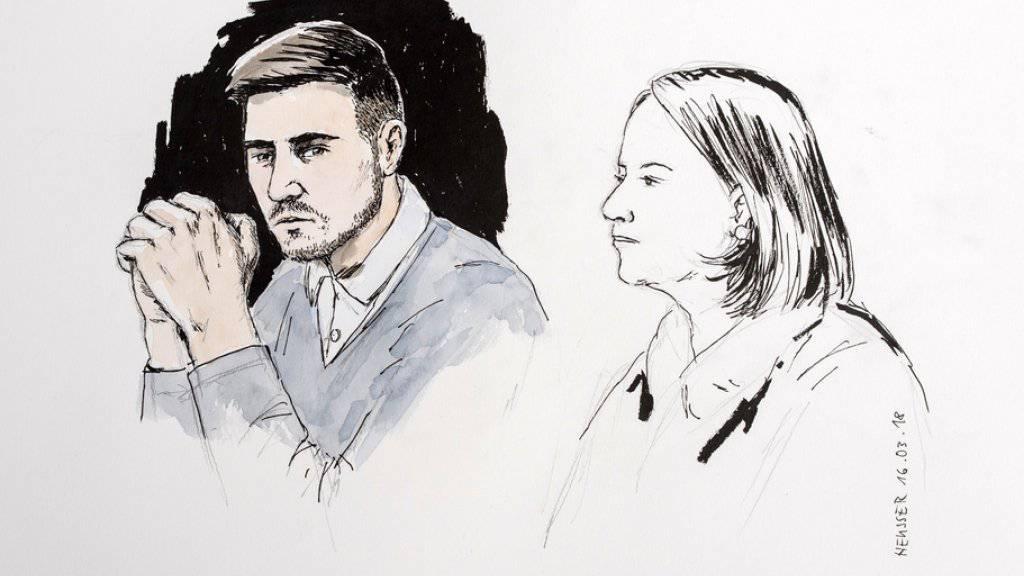 Der wegen des Vierfachmordes von Rupperswil zu einer lebenslänglichen Haft verurteilte Angeklagte (links) will, dass sein Fall vor dem Aargauer Obergericht erneut verhandelt wird. Seine Pflichtverteidigerin Renate Senn hat nun 20 Tage Zeit, die Berufung zu erklären.