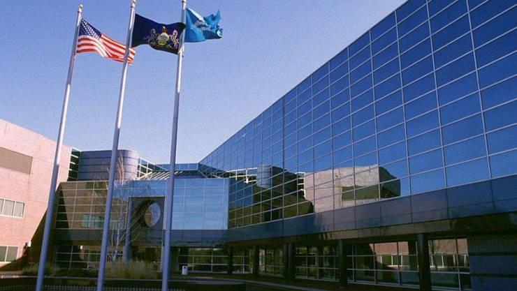 Die Beschuldigten sollen im Forschungszentrum von GlaxoSmithKline in Upper Merion in Pennsylvania Daten gestohlen haben. (Archivbild)