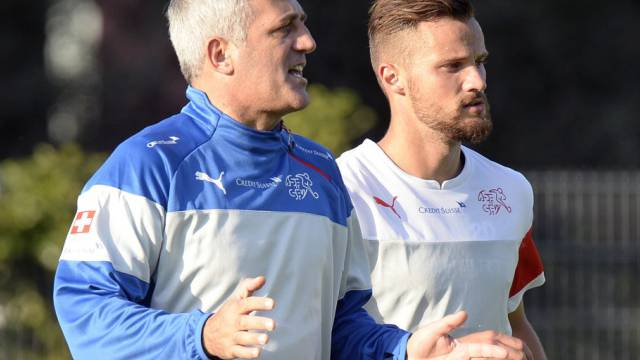 Nimmt Coach Petkovic (links) Seferovic in seine Startelf?