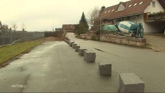 Thumb for 'Gemeinde blockiert Zufahrt auf Firmengelände'