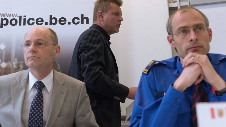 Polizeichef Stefan Blättler, Sicherheitsdirektor Reto Nause und Einsatzleiter Manuel Willi an der Medienkonferenz nach der Krawallnacht