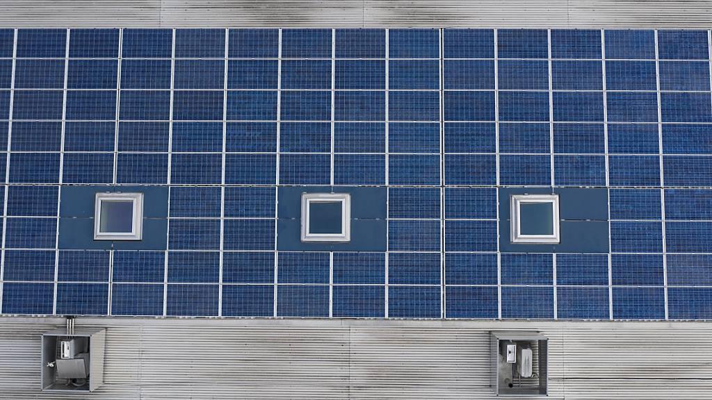 Kantonale Gebäude werden in Zug mit Solar-Anlagen ausgestattet